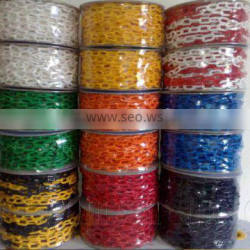 Colored roadway safety decorative plastic chain