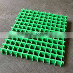Plastic floor grating