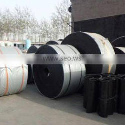 Oil resitant rubber conveyor belt for organic solvent and fuel
