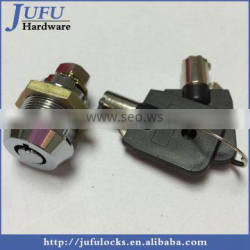 Cam lock for machinery cover