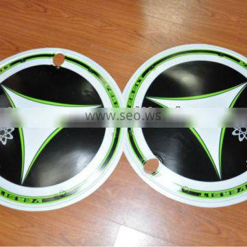 Bicycle wheel cover with customized design