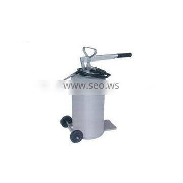 Grease Bucket with Pump GPT16L12
