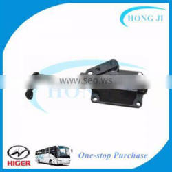 Bus atv engines and transmissions gearbox cover assembly