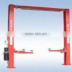 Vehicle lift with safety Locks and Chain lifting system
