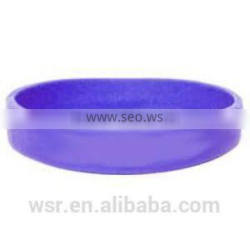 Molded customed silicone rubber wristbands
